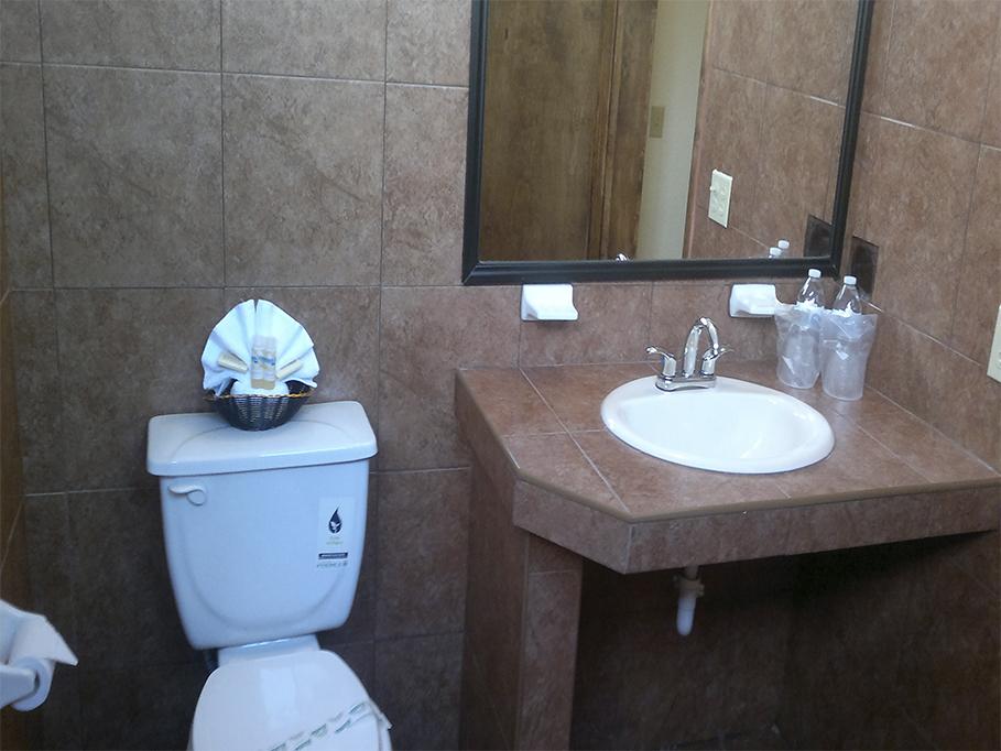 Mision santa maria hoteles for Habitacion quintuple